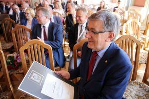 Rektor Wallas z Medalem UMCS!